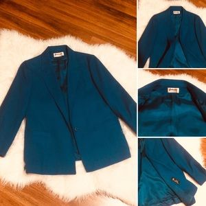 🦋2/$10 3/$15 4/$18 5/$20Gorgeous Blue Wool Blazer